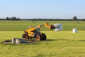 Rata Bale Clamp on JCB Telehandler