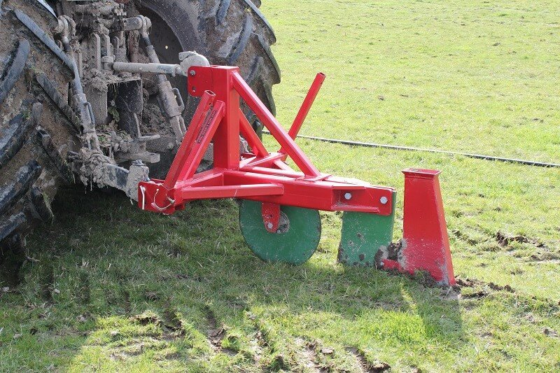 Rata Single Leg Ripper and pipe layer for Tractors