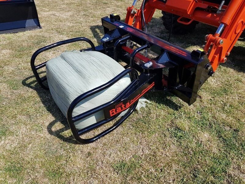Rata Compact soft hands bale clamp for small tractors