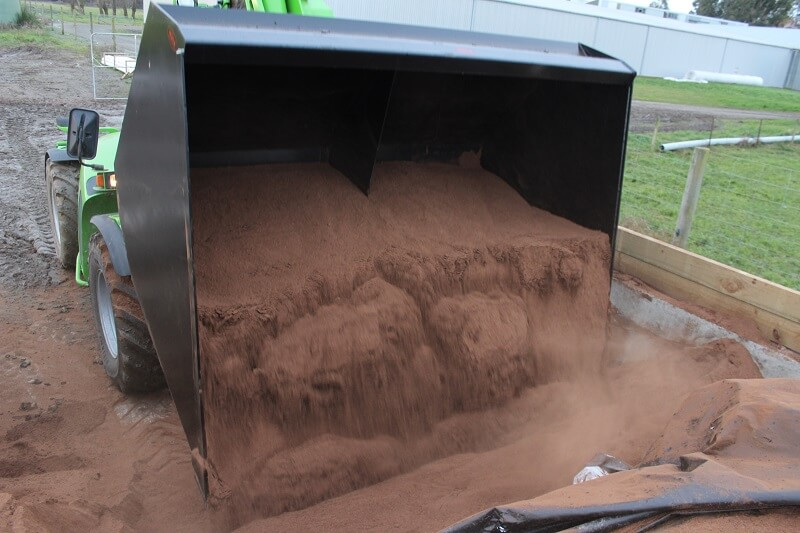Rata Equipment Bulk material handling Bucket emptying Palm Kernel into storage bunker