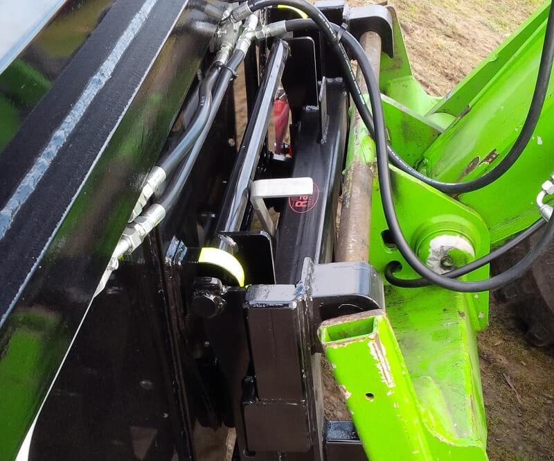 Merlo To Euro quick hitch adaptor