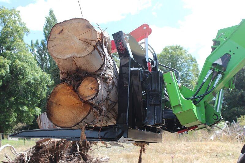 Rata Log Fork holding tree logs