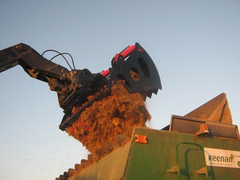 Rata Shear Grab loading mixer wagon