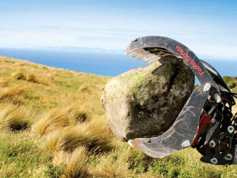 Versatile Grapple handling rock boulders