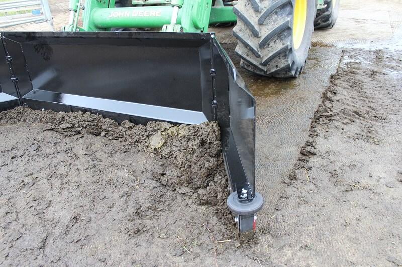 Rata Yard Scraper pushing muck along a dairy pad