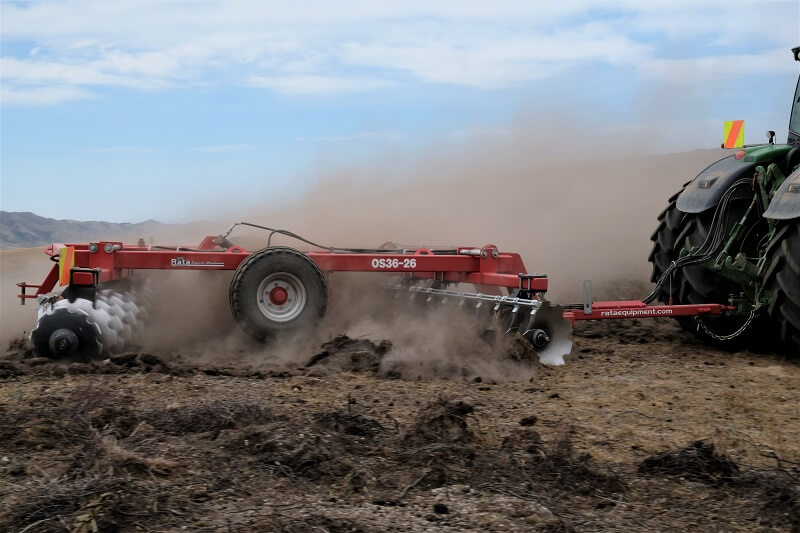 Rata Offset Disc Cultivator breaking in tough ground (1)
