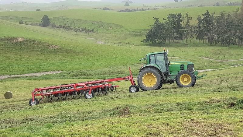 Rata CR V-rake raking up a paddock