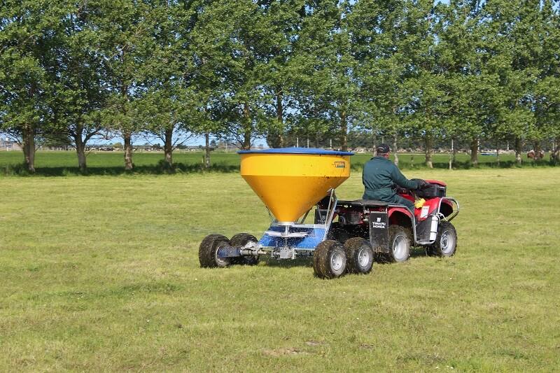 Vogal TT750 tandem axle fertiliser spreader in action on a paddock