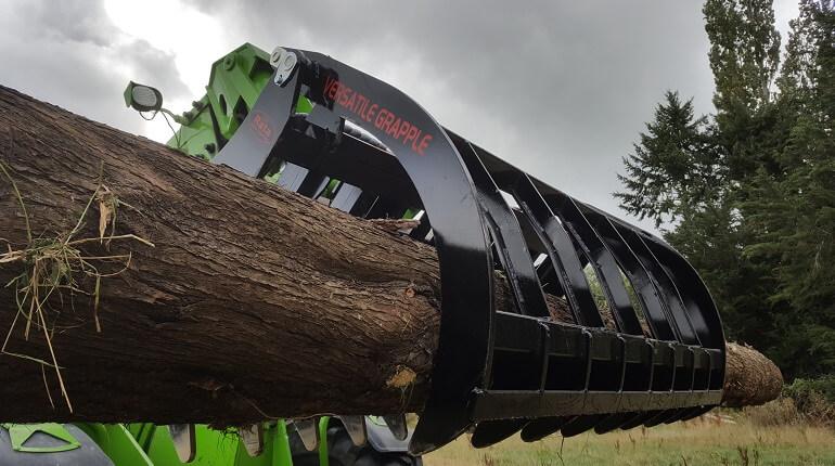 Rata Versatile Grapple handling logs