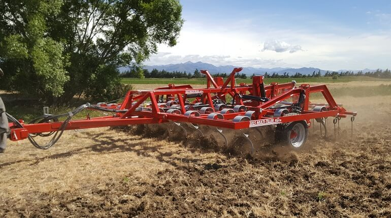 Rata 1015 Multi Tiller at work in stubble
