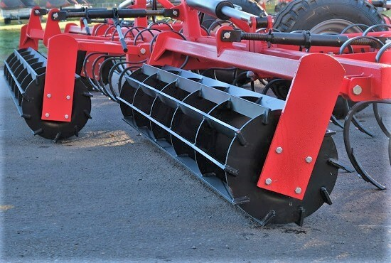 Crumbler Roller overlap on Rata 103 Maxitill cultivator