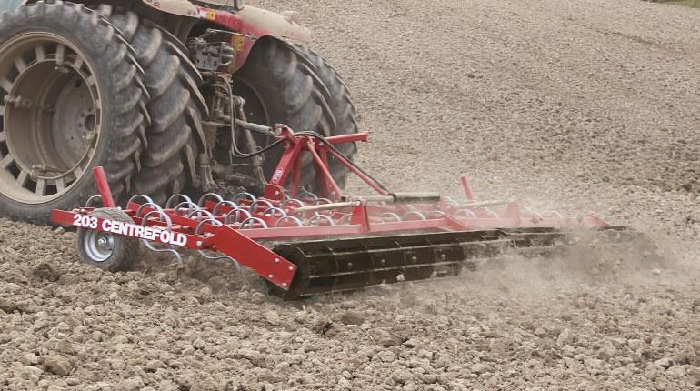 Rata 203 Centrefold Cultivator on Massey Ferguson