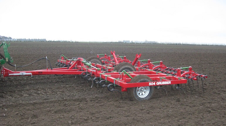 Rata 504 Grubber preparing a seed bed with finger tines