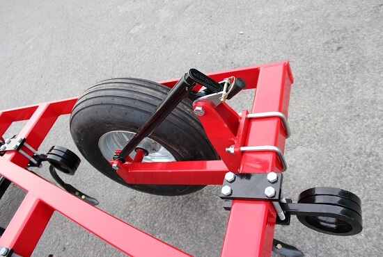 Wing wheel depth control on the Rata 504 Grubber