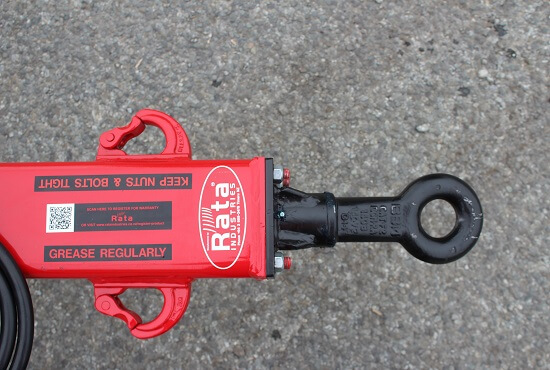 Swivelling tow eye and safety chain mounts