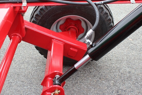 Hydraulic Transport wheel adjustment on Rata Offset Disc Plough
