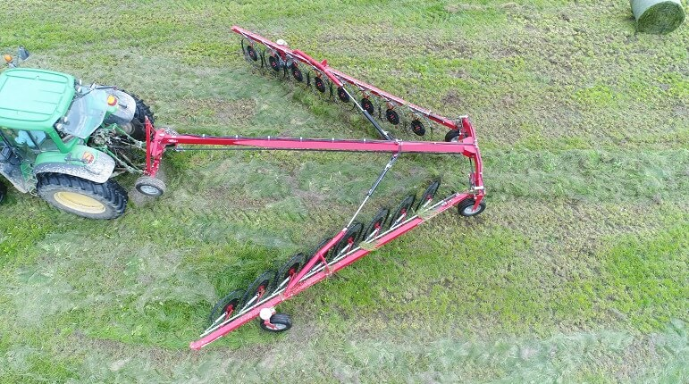 Rata CR V-rake for harvesting forage crops such as hay and silage