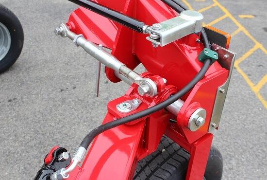 Easy row width adjustment on the Rata CR V-rake