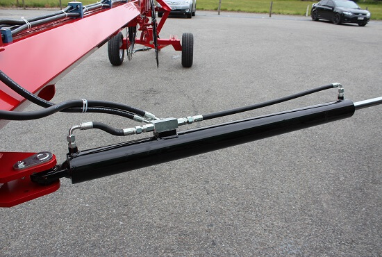 Hydraulic Ram for arm fold on Rata CR V-rake