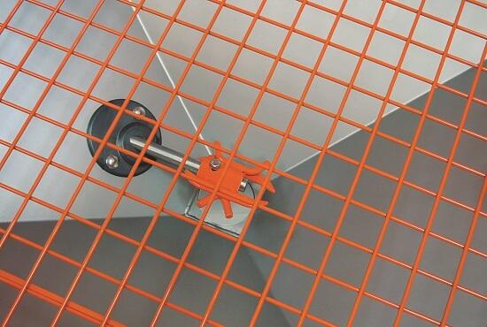 Standard filtering grid + horizontal agitator
